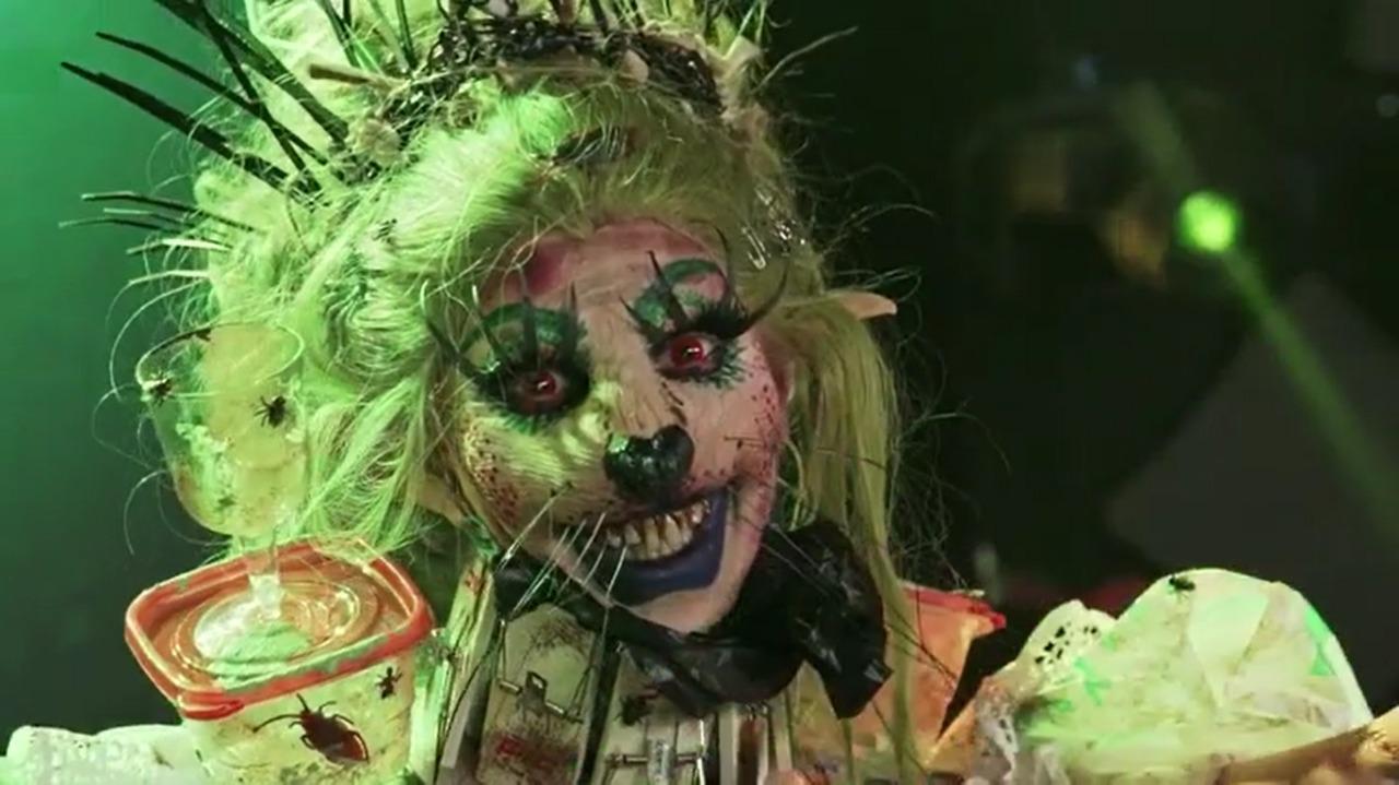 Dollya-Black-SE03EP05-Face-Draglicious